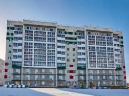 Дом №35. Фасад. Ведутся фасадные отделочные работы и внутренняя отделка квартир
