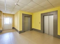 В доме установлены бесшумные скоростные лифты фирмы Otis